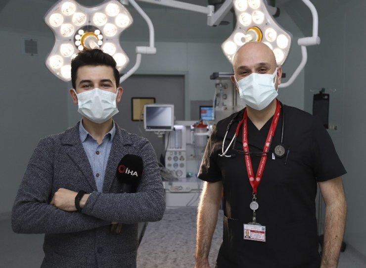 """Bilim Kurulu Üyesi uyardı: """"Bu maskelerin uçaklarda veya toplu alanlarda kullanılması uygun değil"""""""