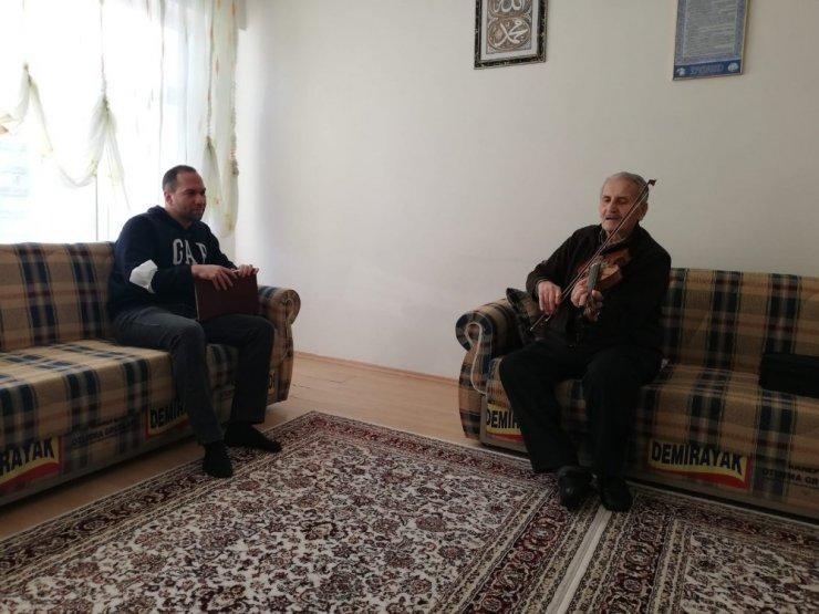 Başkan Özdemir kendisine şiir yazan Ali Yılmaz'ı ziyaret etti
