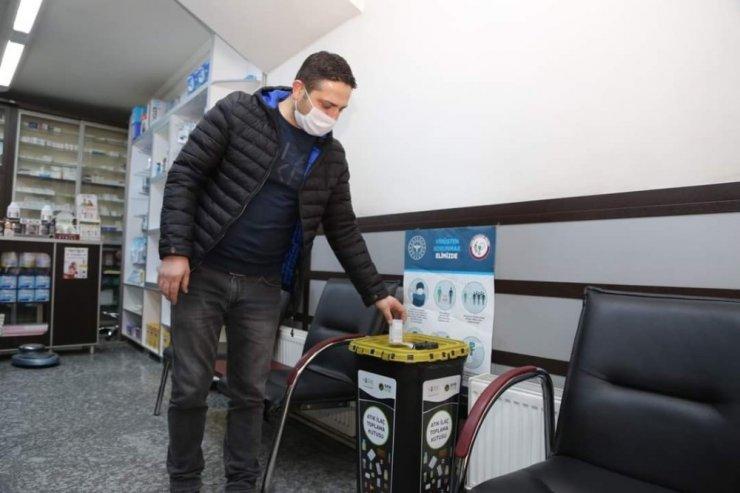 Niğde Belediyesi Eczanelere Atık İlaç Toplama Kutusu Dağıttı