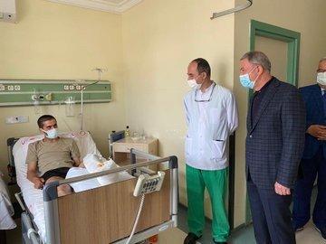 Bakan Akar, Irak'ın kuzeyinde yaralanan Mehmetçiği ziyaret etti