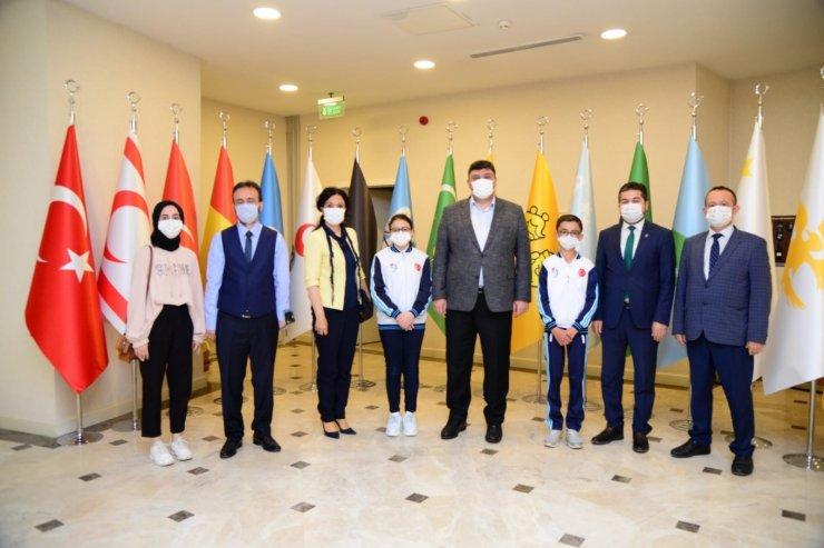 Kahramankazan Belediye Başkanı Oğuz, minik öğrencilerle bir araya geldi