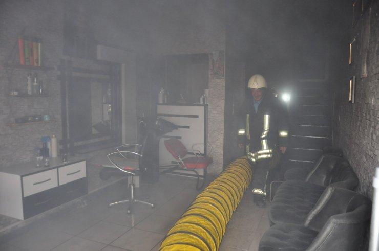 Karaman'da bir iş yerinin bodrum katında çıkan yangın korkuttu