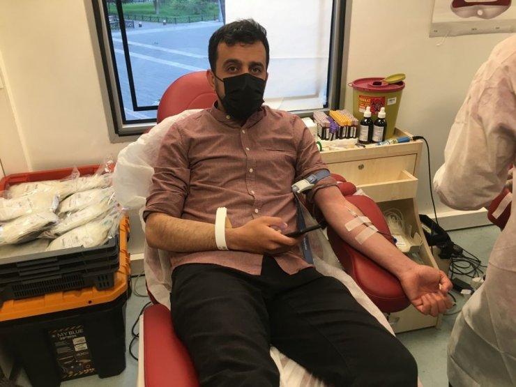 AK Parti Kayseri İl Teşkilatından Kızılay'a kan desteği