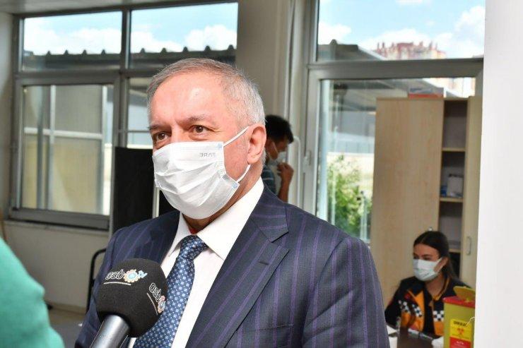 Nursaçan, İl Sağlık Müdürlüğü'nün Kayseri OSB'deki Aşı Uygulama Merkezi'ni ziyaret etti