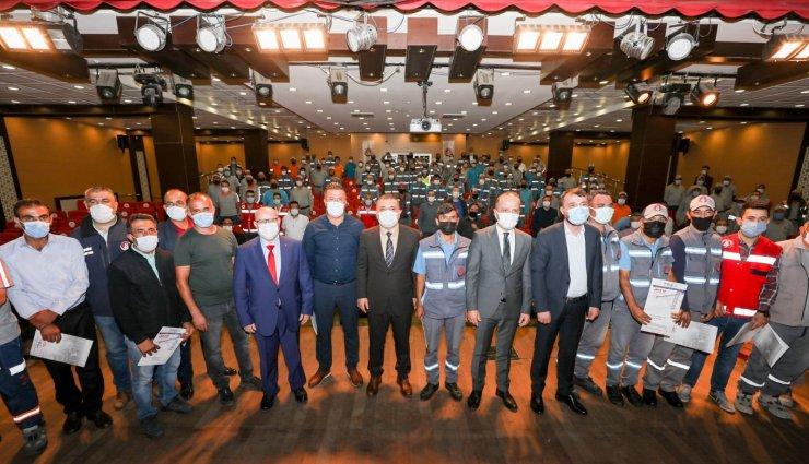 Sincan Belediyesi çalışanları mesleki yeterlilik belgelerini aldı