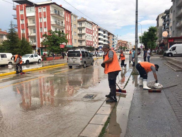Eskişehir'de 10 dakikalık yağmur hayatı felç etti