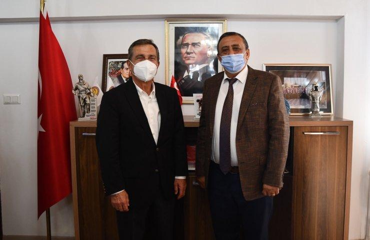 Başkan Ataç Mihalıççıklıları ziyaret etti