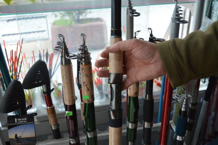 Balık sezonu açılmasına rağmen av malzemelerine beklenen talep yok