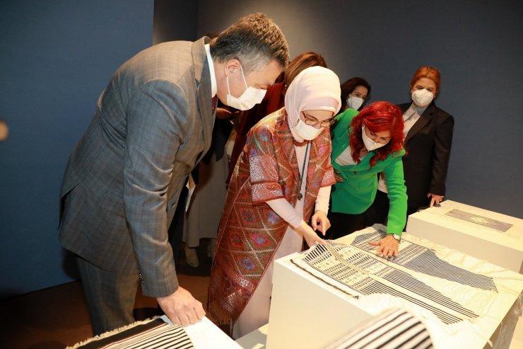 """Emine Erdoğan: """"Kültürün zayıfladığı yerde, 'biz' duygusu mevzi kaybeder"""""""