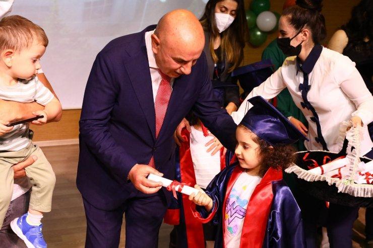 Gül kreş adası ilk mezunlarını verdi