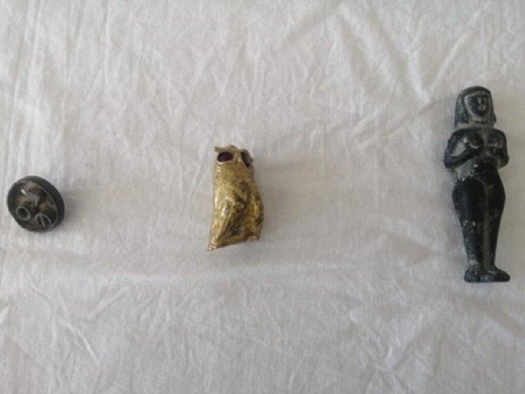 Tarihi eserleri satmak isteyen 4 kişi jandarmaya yakalandı
