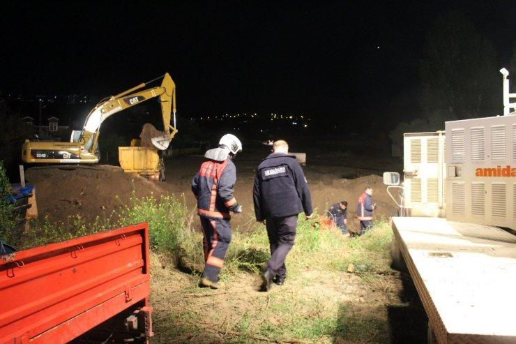 Ankara'da sağanak yağış dereyi taşırdı: 11 evi su bastı