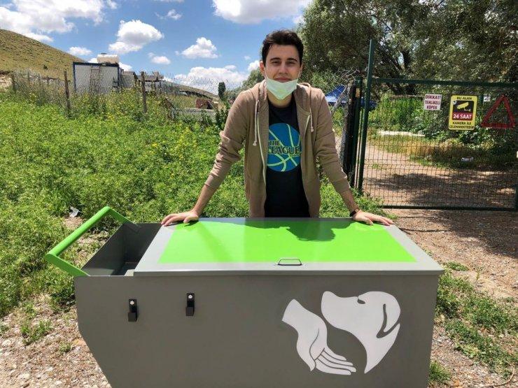 Gazi Üniversitesi öğrencilerinden sokak hayvanlarına destek