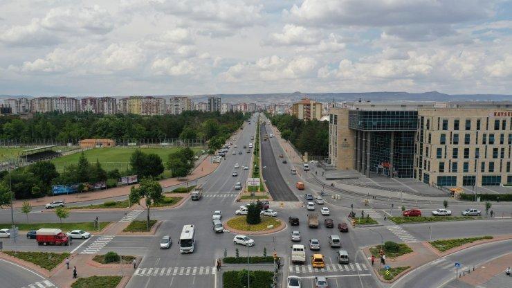 Büyükşehirden Erkilet Bulvarı'na 7,5 milyonluk asfalt yatırımı