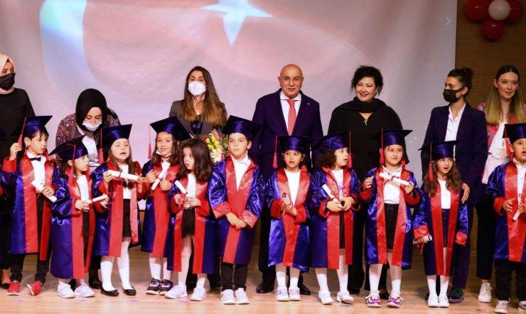 Keçiören'deki Kreş Adası ilk mezunlarını verdi