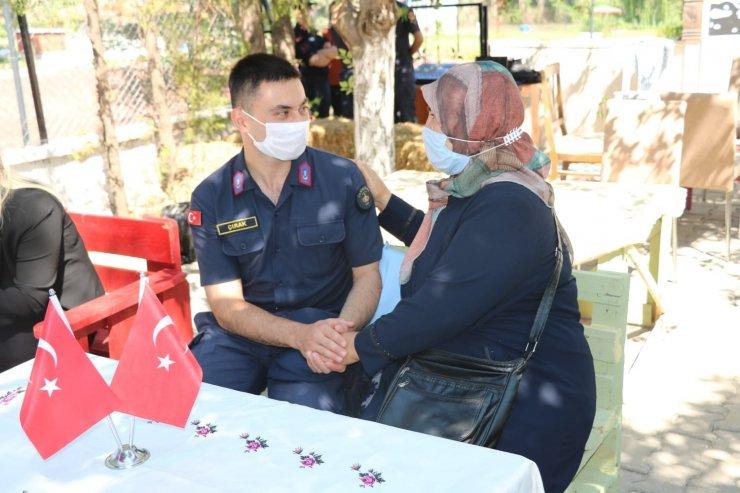 Kırıkkale'de şehit anneleri Mehmetçik ile buluşuyor