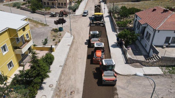 Mehmet Akif Ersoy Mahallesinde üç cadde sıcak asfalta kavuşuyor