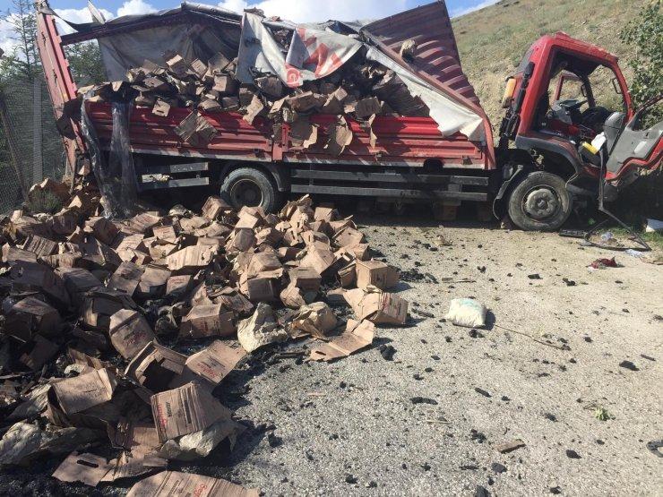 Başkent'te kamyonet dört takla attı: 1'i ağır 3 yaralı