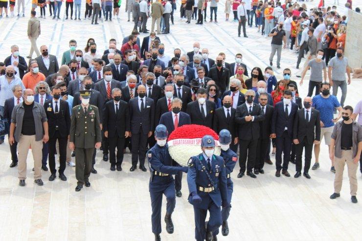 Galatasaray Başkanı Elmas ve yönetim kurulu Anıtkabir'de