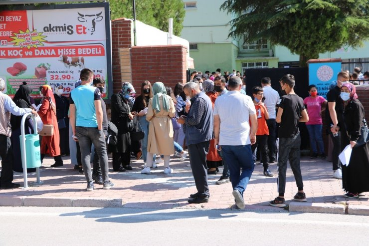 Niğde'de öğrencileri YKS sınavına trafik polisleri yetiştirdi