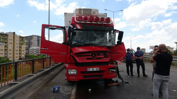 Sivas'ta zincirleme trafik kazası: 1 yaralı