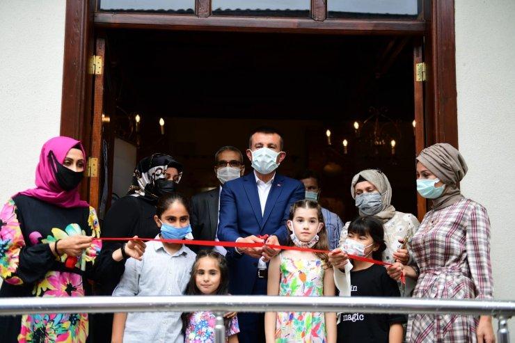 Altındağ'daki Sanat Sokağından geri dönüşüm sergisi