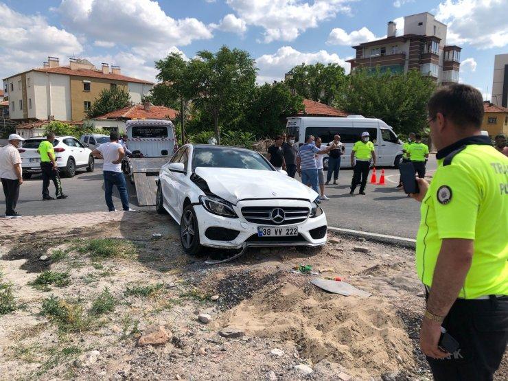 Kayseri'de trafik kazası : 8 yaralı