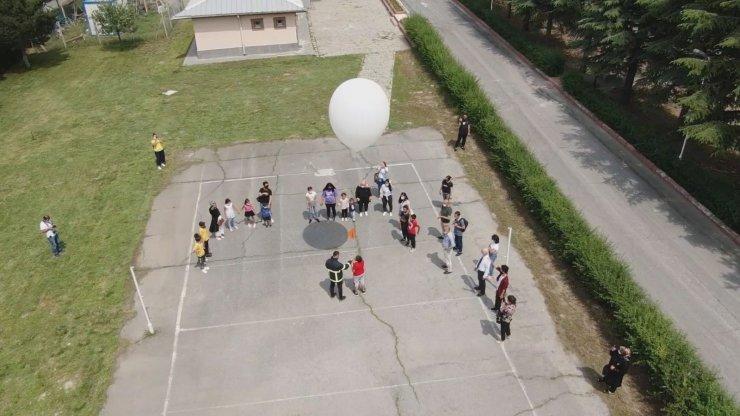 Özel eğitimli öğrenciler Meteoroloji Bölge Müdürlüğünde havayı keşfetti