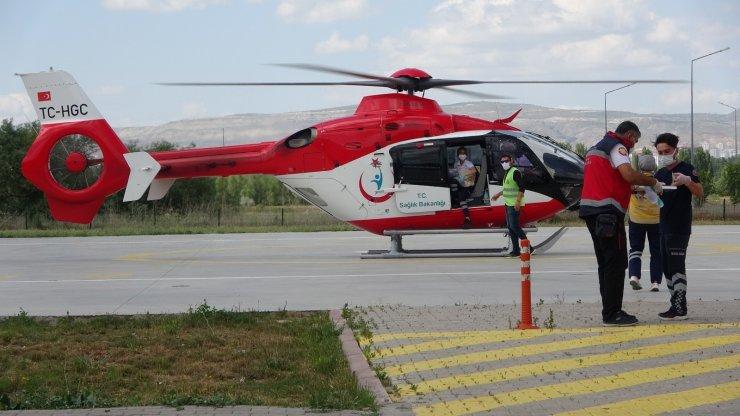 Ambulans helikopter 1 buçuk aylık bebek için havalandı