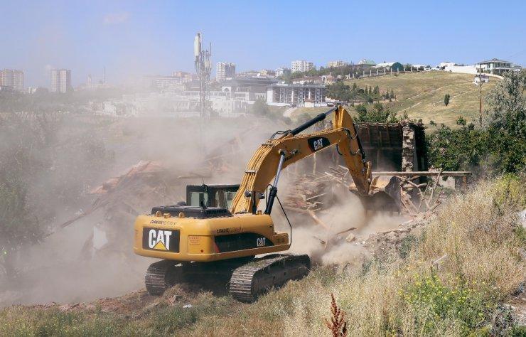 Çankaya'da gecekondu yıkımları devam ediyor