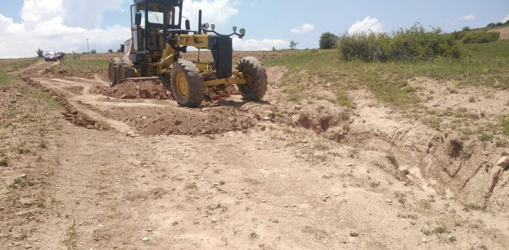 35 Köyde arazi yolu açma çalışmaları başlatıldı
