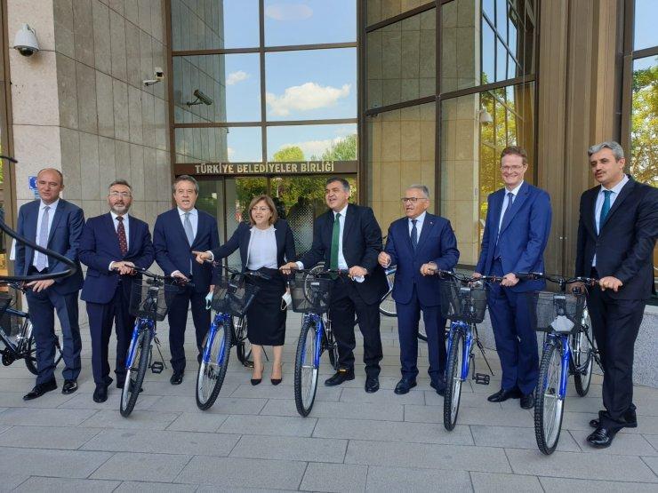 Büyükkılıç'tan Avrupalı Büyükelçiler ile birlikte bisiklet farkındalığı