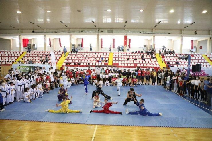 Sivas'ta yaz spor okulları kapılarını açtı