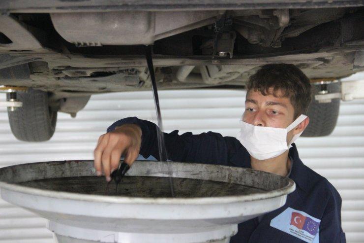 Kamu araçlarının bakım ve onarımları meslek lisesinde yapılıyor