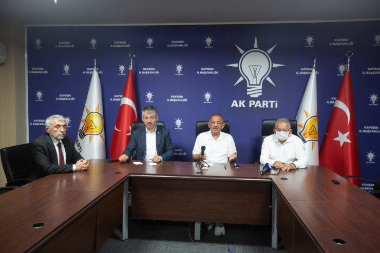 Büyükkılıç, AK Parti Teşkilatı ile bayramlaştı