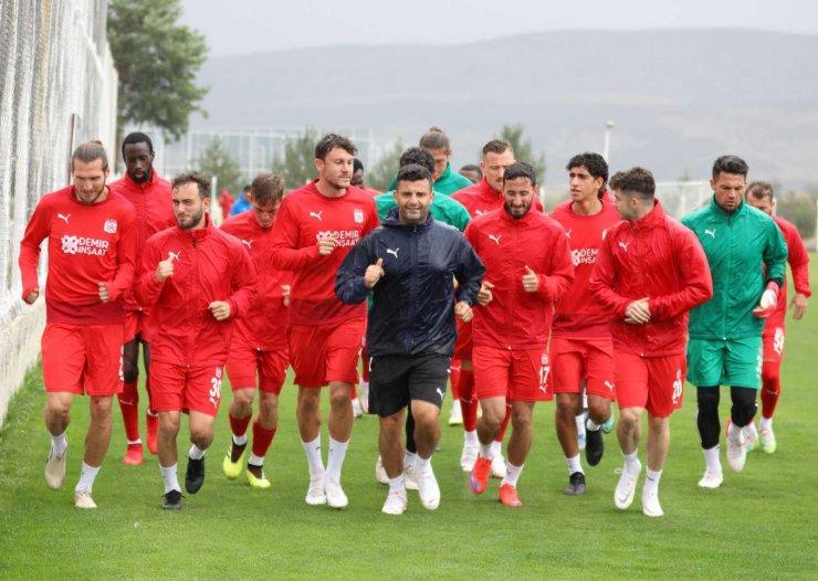 Sivasspor Ara Vermeden Karagümrük Maçı Hazırlıklarına Başladı
