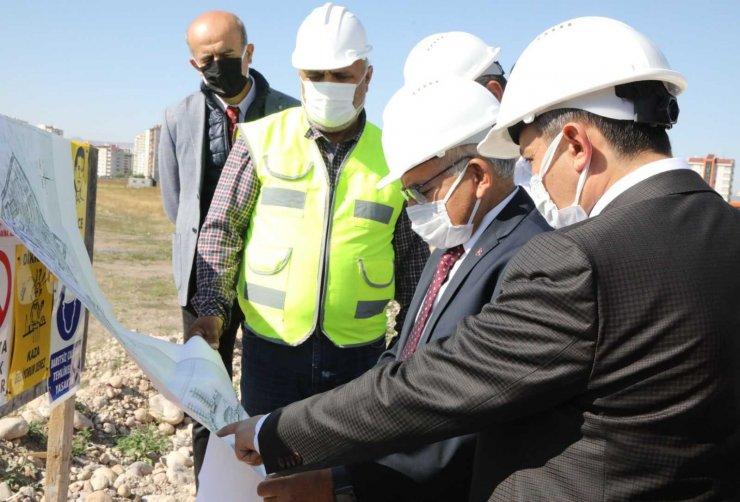 ERÜ'de Yapımına Devam Edilen Yurt İnşaatı Yerinde İncelendi