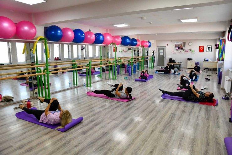 Kadınlar Pilates İle Daha Zinde