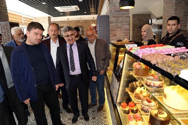 thumbnail_safir-pasta-kafe-bistro-dualarla-acildi-(3).jpg